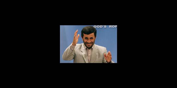 Ahmadinejad grâcie les 15 marins britanniques - La Libre