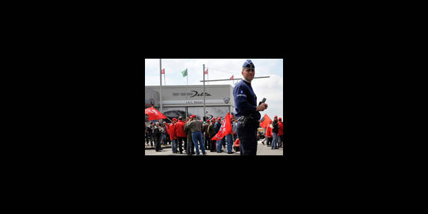 IAC: les 19 travailleurs cités à comparaître ont quitté le bâtiment - La Libre