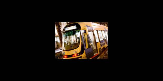 Neige à Bruxelles: ralentissements dans les bus et les trams bruxellois - La Libre