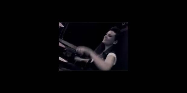 """Annette de """"Premiers baisers"""" de retour dans la musique avec Nikos - La Libre"""
