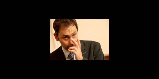 La RTBF met Frédéric Deborsu au placard - La Libre