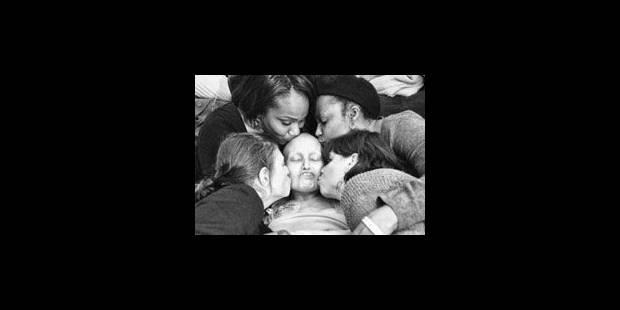 Il photographie le combat de sa femme contre le cancer - La Libre