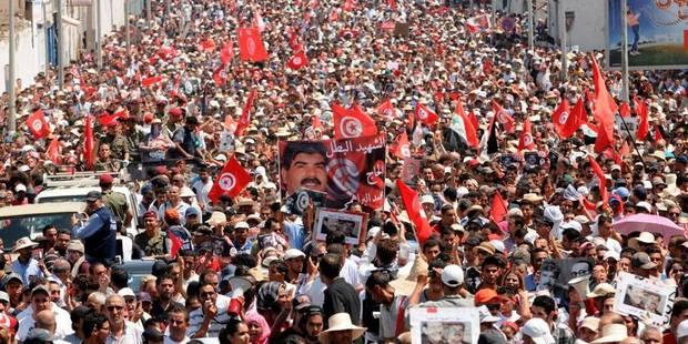Tunisie: marée humaine pour les funérailles de Brahmi - La Libre