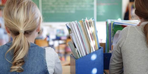 20 vols par jour dans les écoles belges - La Libre