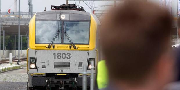 Trop peu de voyageurs pour le Diabolo entre Anvers et Bruxelles-National - La Libre