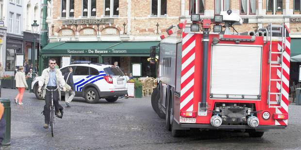 Jeune homme poignardé à Bruges: un des deux auteurs présumés se serait rendu - La Libre