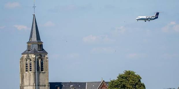 Un avion dérouté crée l'émoi à Woluwe-Saint-Pierre - La Libre