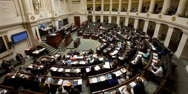 Gouvernement Michel: la Chambre interrompt sa séance après 21 heures de débat - La Libre