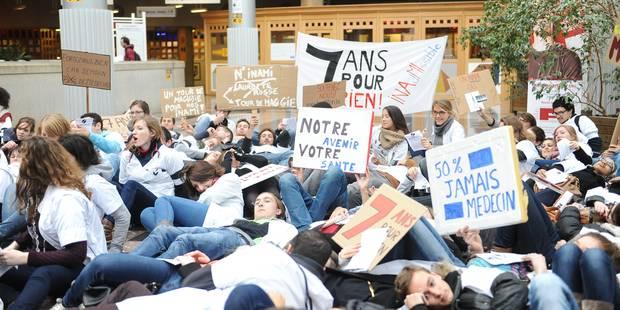 Numéro Inami: des centaines d'étudiants manifestent sur le campus Alma (Photos + Vidéos) - La Libre