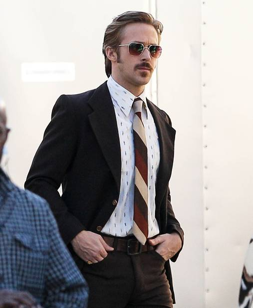 Ryan Gosling, moustachu pour les besoins de son prochain film (ouf!)