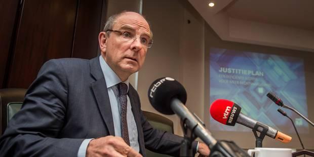 La dépénalisation de la fraude fiscale inquiète les socialistes - La Libre