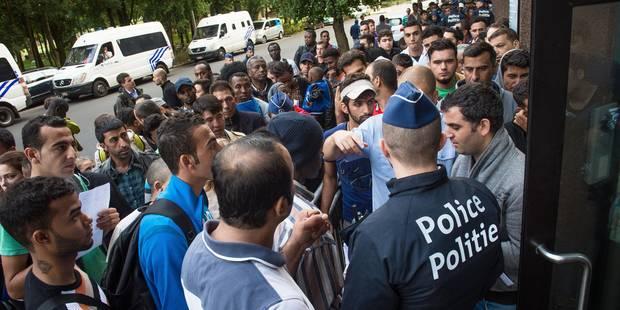 Demandeurs d'asile: la Croix-Rouge renforce son dispositif d'urgence dans les rues de Bruxelles - La Libre