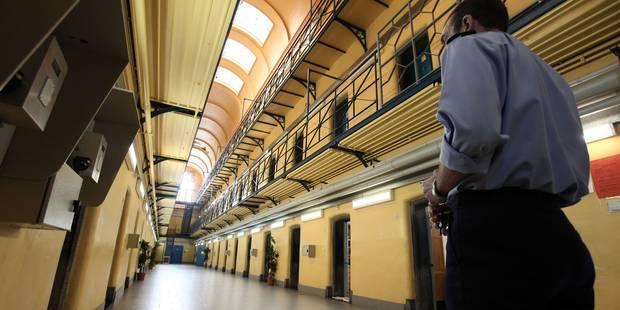 Grève des gardiens de prison: les agents pénitentiaires de Mons ont voté pour la grève au finish - La Libre