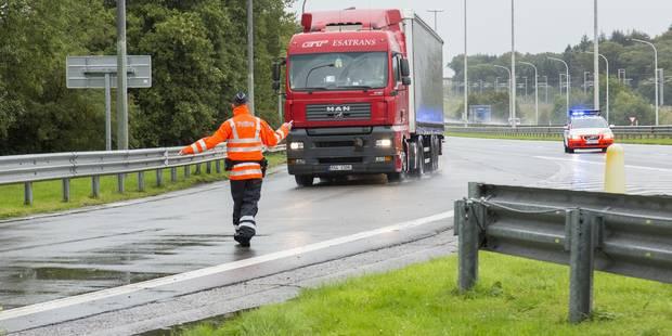 Cinq trafiquants d'êtres humains appréhendés en Flandre occidentale - La Libre