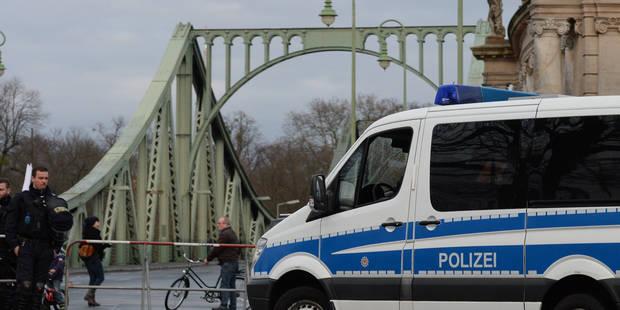 Terrorisme : La police allemande a arrêté trois suspects sur l'autoroute - La Libre