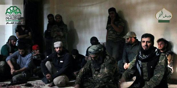 """Al-Qaida diffuse une vidéo sur l'exécution de deux Maliens accusés de """"collaboration"""" - La Libre"""