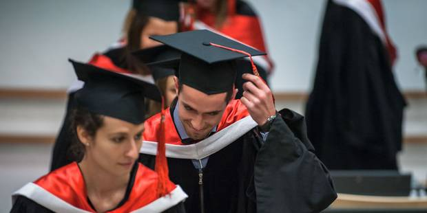 De plus en plus d'étudiants bénéficient d'une aide sociale de leur établissement - La Libre