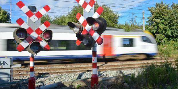 Collision entre un train et un camion entre Ottignies et Louvain - La Libre