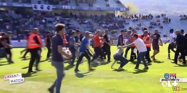 Des supporters de Bastia envahissent le terrain et agressent les joueurs de Lyon (VIDEO) - La Libre