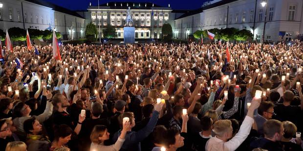 Séparation des pouvoirs: La Pologne défie Bruxelles et adopte le projet de loi sur la justice (ANALYSE) - La Libre
