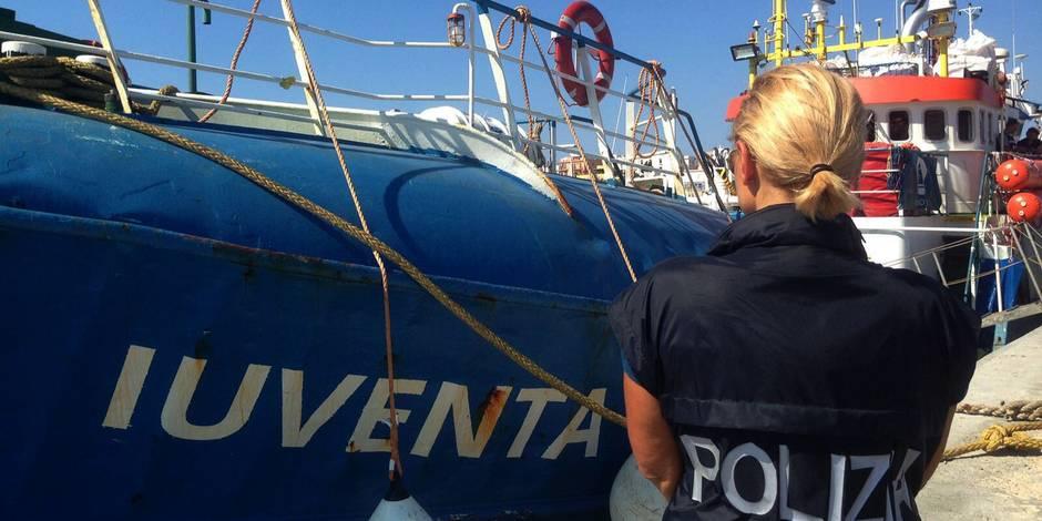 Le bateau d'une ONG saisi par des gardes-côtes italiens
