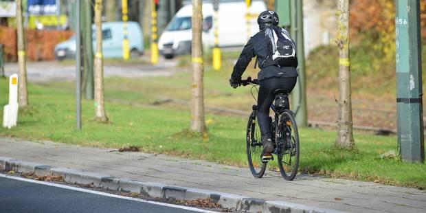 Unique en Belgique: des bandes réfléchissantes installées pour la sécurité des cyclistes - La Libre