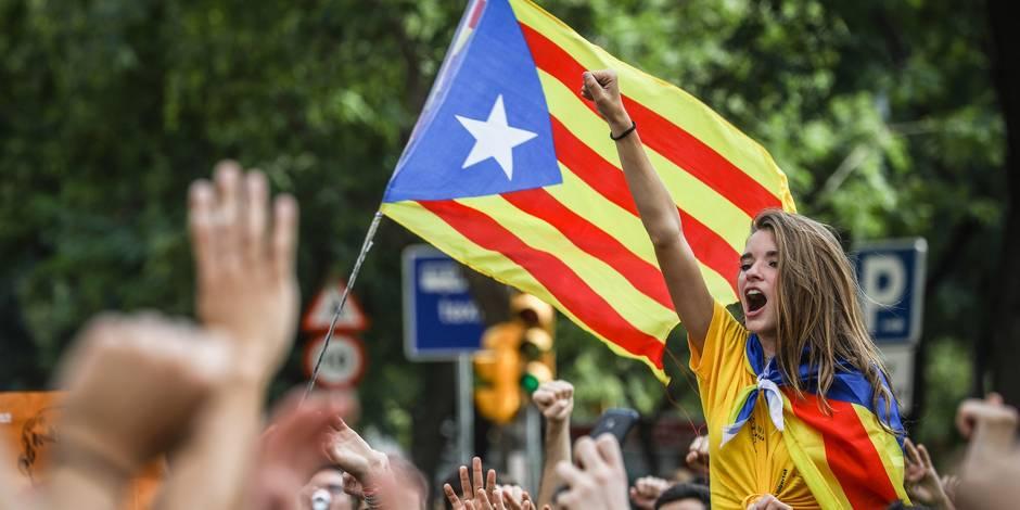 Edito: dangereux jeu du chat et de la souris en Catalogne - La Libre