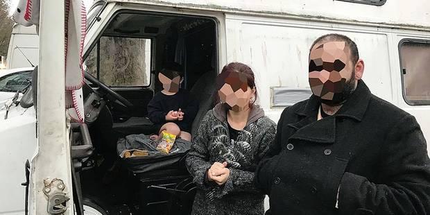 Une famille avec trois enfants vit dans la rue à Bruxelles - La Libre