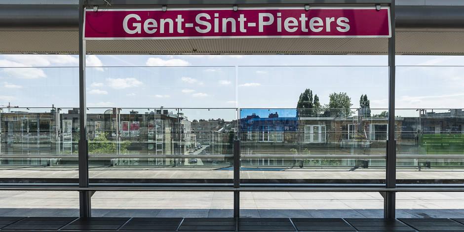 La police neutralise un homme armé d'un couteau à la gare de Gand — Belgique