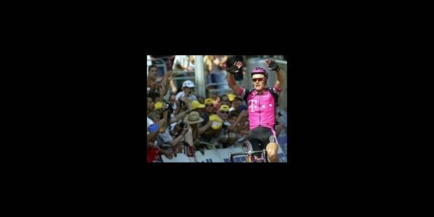 Vinokourov sur le podium, Beloki sur le brancard - La Libre