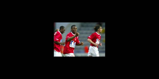 Emile Mpenza a choisi Hambourg
