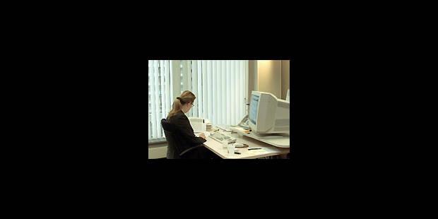 Un voile noir sur le monde du travail - La Libre
