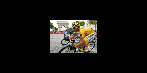 Contador finit en jaune, Boonen en vert - La Libre
