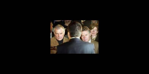 Dedecker invente l'espionnage politique - La Libre