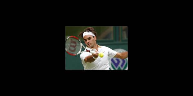 Federer passe le premier tour