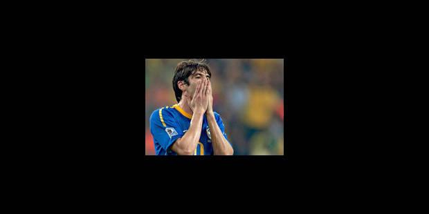 Real Madrid : Kaka blessé au genou pourrait être opéré