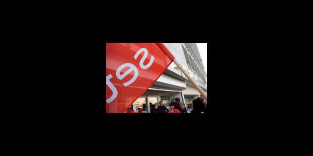 5 licenciements au SETCa : manifestation de militants à la Place Rouppe - La Libre