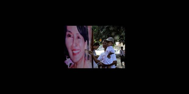 Libération imminente d'Aung San Suu Kyi