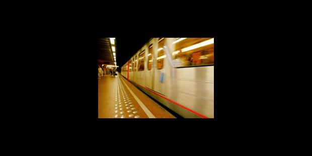 Comme une odeur de rose dans le métro bruxellois ? - La Libre