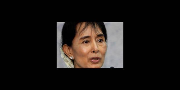 Birmanie: Aung San Suu Kyi exclut de réformer son parti