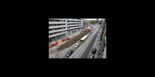 Métro de Charleroi: un pont de mille tonnes sur la Sambre ce week-end - La Libre