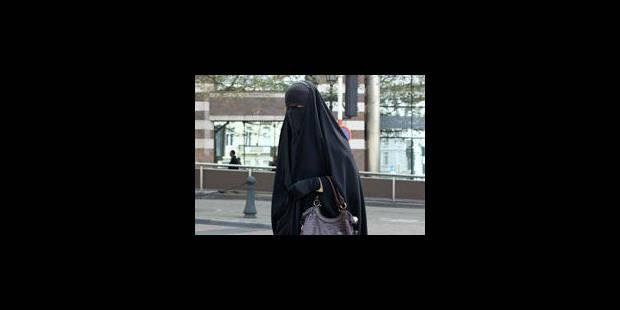 Est-il interdit d'interdire le niqab dans la rue?