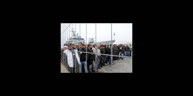 Nouveaux débarquements d'immigrés à Lampedusa: les habitants se révoltent