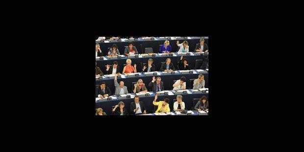 Le Parlement veut une augmentation du budget d'au moins 5% après 2013