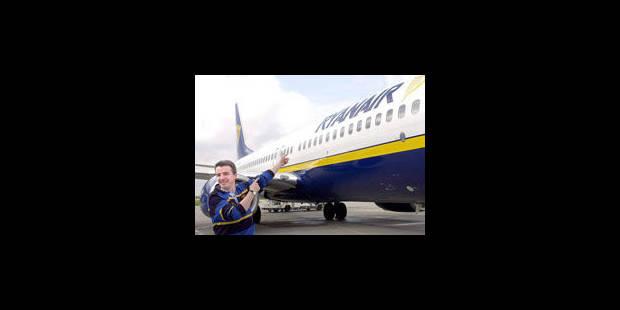 """""""Ryanair a l'habitude de prendre des initiatives surprenantes"""" - La Libre"""