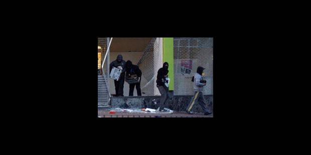 Grande-Bretagne: les photos des émeutiers sur écran géant