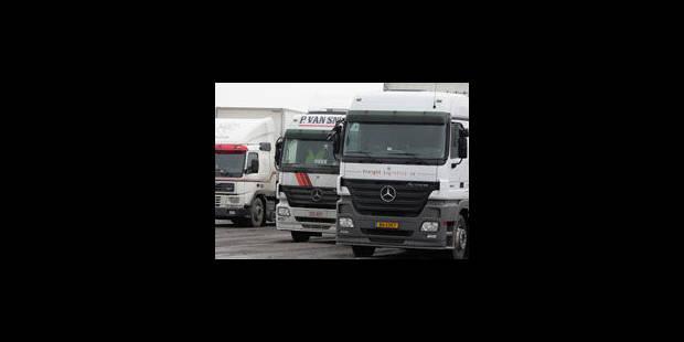 Action de la FGTB-Transport sur l'E42 à Tournai - La Libre