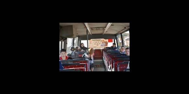 Des heures de trajet dans le bus scolaire - La Libre