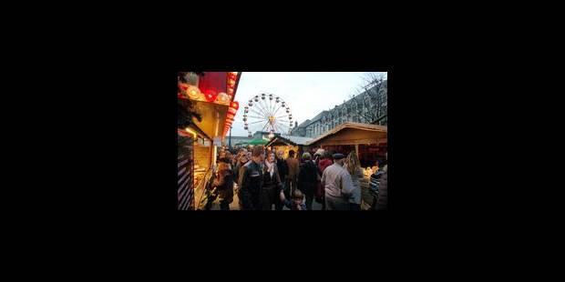 Le Village de Noël illumine la cité - La Libre