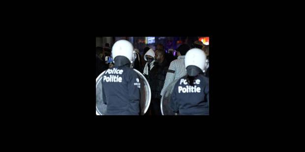 Des policiers de plus en plus agressés - La Libre
